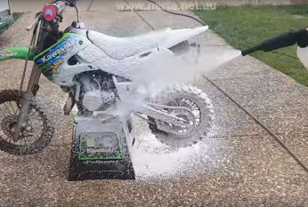 Touchless Dirt Bike Clean